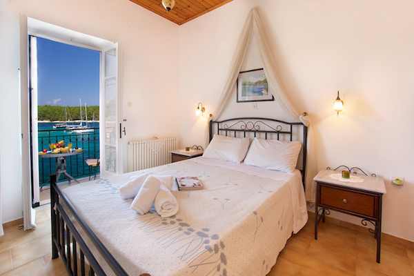kefalonia waterfront apartments fiscardo kefalonia 17